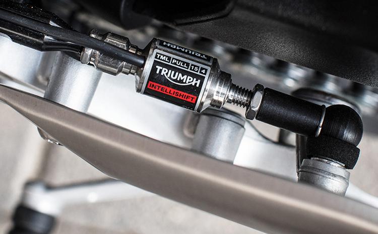 Xe Môtô Triumph Street Triple RS - Trắng