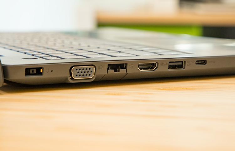 Laptop Lenovo V330-15IKB 81AX00MCVN Core i5-8250U/Free Dos (15.6