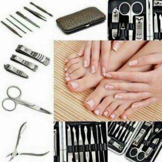 Bộ cắt móng tay 12 món cao cấp 2