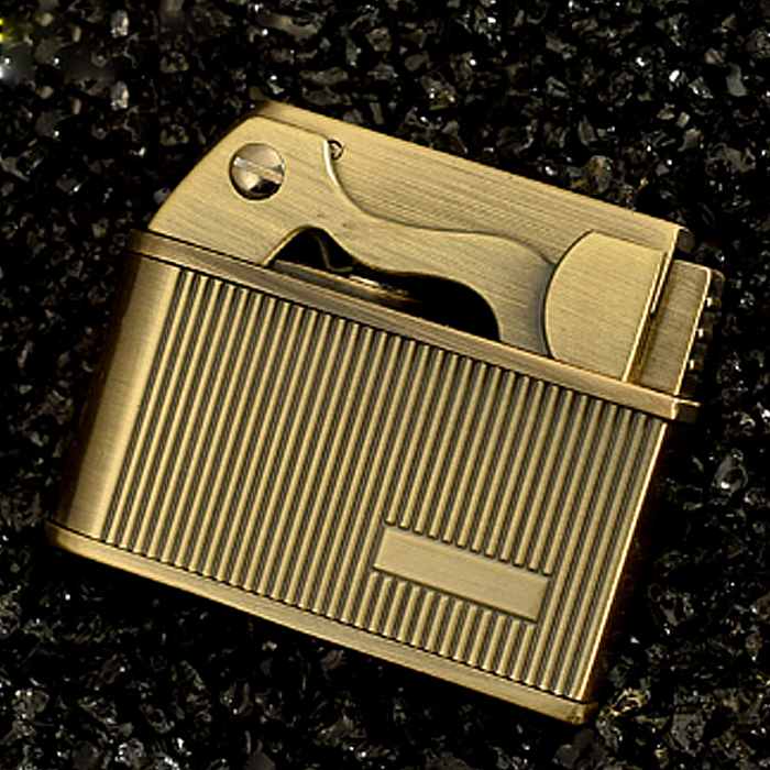 Hộp Quẹt Bật Lửa Xăng Đá Kẻ Caro ZB-612 Sang Trọng (Màu Ngẫu Nhiên)