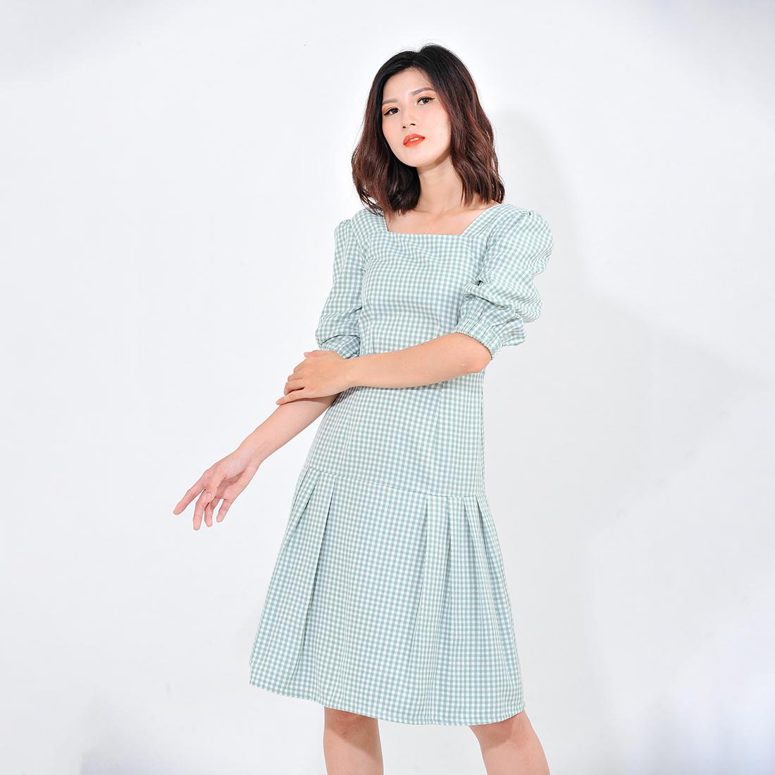 Váy đầm công sở nữ thời trang Eden kẻ caro cổ vuông tay lỡ. Kiểu dáng nữ tính. Màu sắc trẻ trung - D410 2