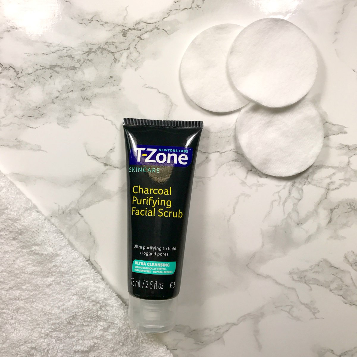 Tẩy Tế Bào Chết T-zone Charcoal Purifying Facial Scrub 75ml