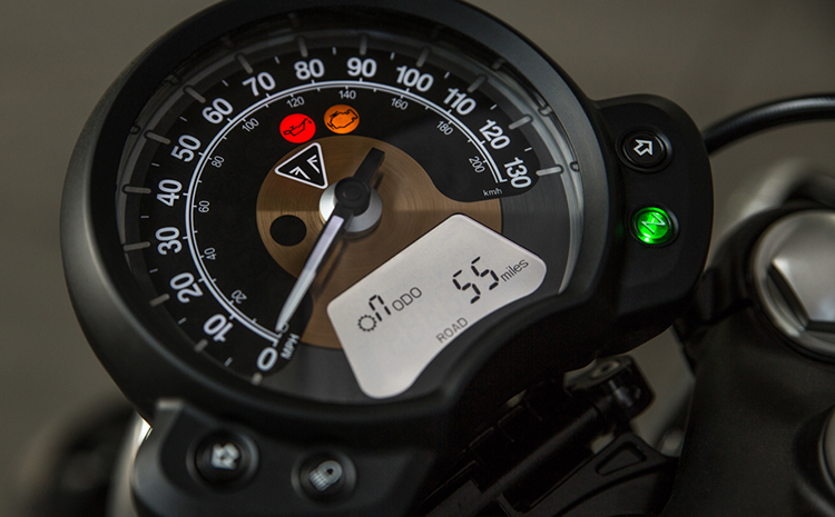 Xe Môtô Triumph BOOBER BLACK - Đen Bóng
