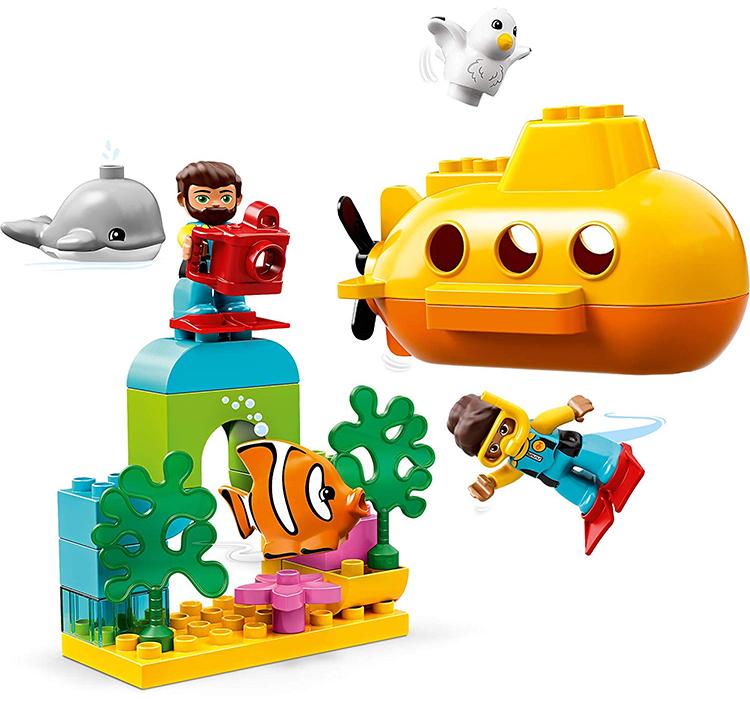 Tàu Ngầm Khám Phá Đại Dương  LEGO 10910