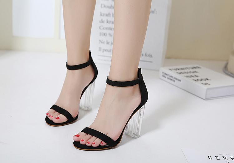 Giày Cao Gót Nữ Màu Đen Da Nhung Mịn Cao Cấp Gót Trong Suốt Tôn Dáng Đẹp CTCGQ8010 5