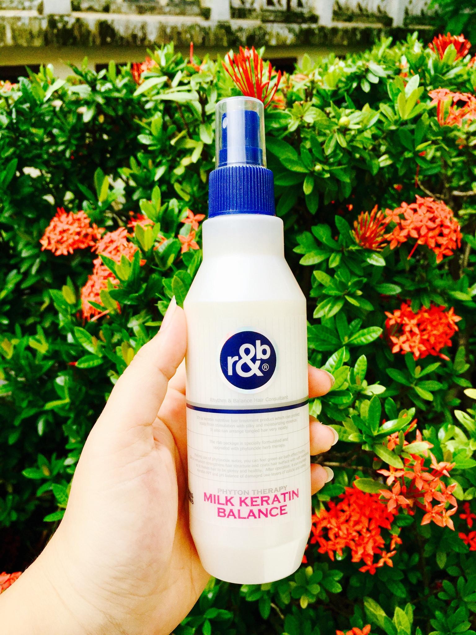Nước dưỡng cân bằng tóc giúp dưỡng ẩm bảo vệ tóc, phục hồi tóc và da đầu bị hư tổn r&b milk keratin balance