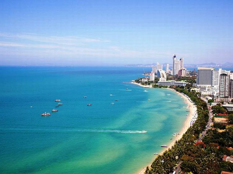 Thành phố biển Pattaya sôi dộng