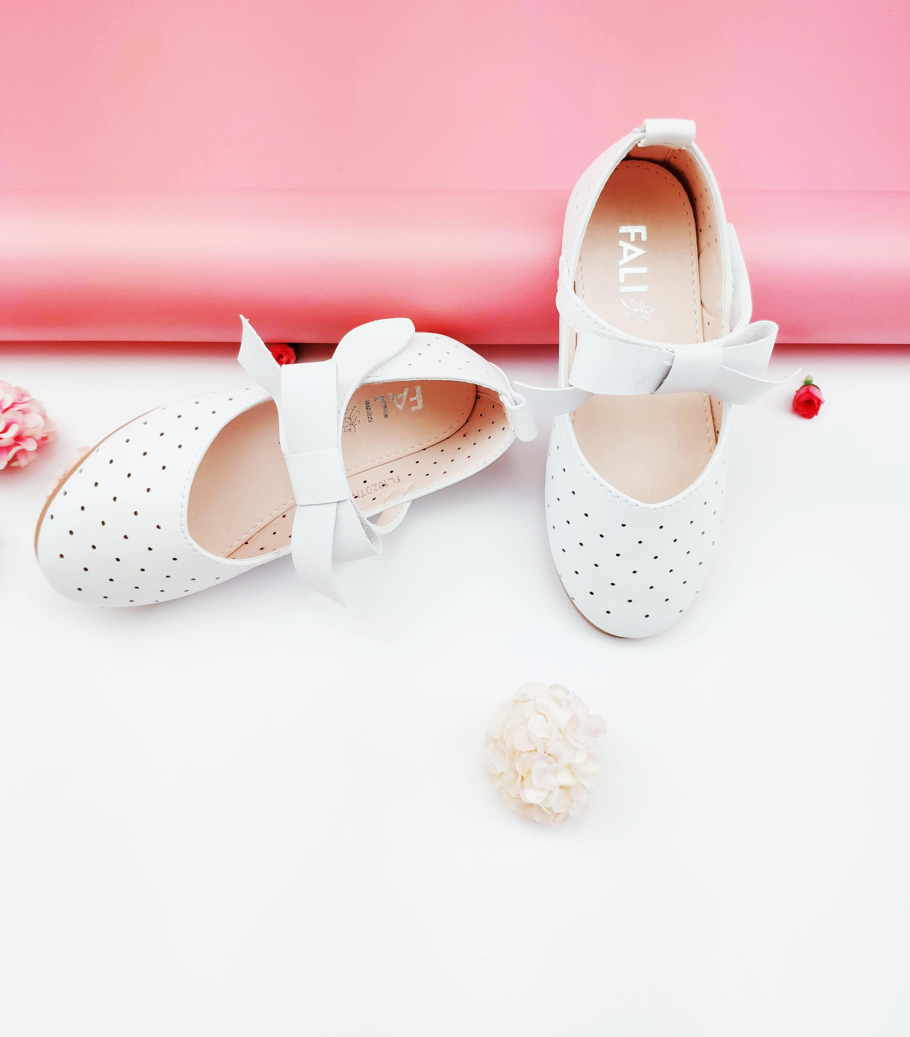 Giày búp bê Pink Navy gắn nơ bé gái siêu êm nhẹ từ 3-12 tuổi màu trắng    Giày búp bê bé gái