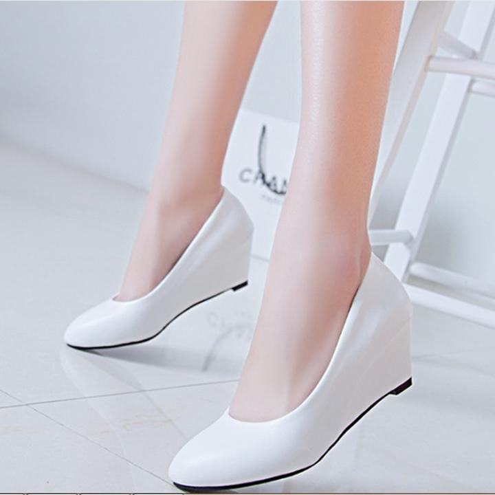 Giày nữ bít mũi đế xuồng cao 5cm kiểu trơn da bóng mềm nhẹ C14n có ảnh thật 1